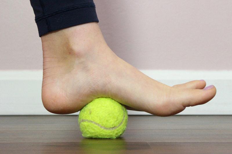 6 простых упражнений для снятия боли в ступнях и ногах вообще