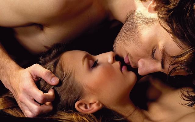 10 Способов заставить мужчину любить вас еще сильнее